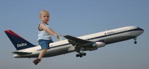 baby-riding-plane